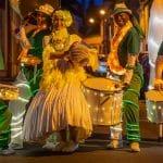 batucada lumineuse wim percussion tambours danseuses orchestre lumineux