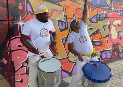 wim batucada musiciens bresiliens animation public wim percussion