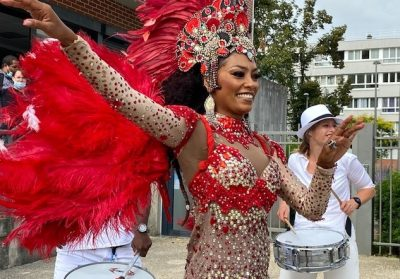 wim batucada percussion danseuse bresilienne rue